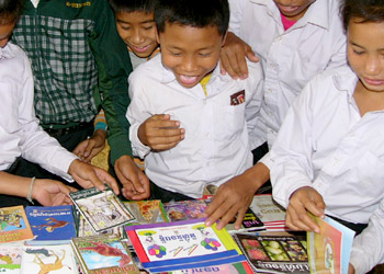 children select a book for their first day of Sustained Silent Reading